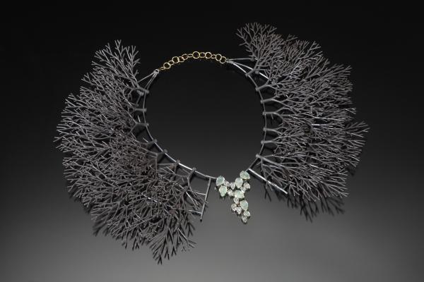 Fashion Online Girl - Tree Collar